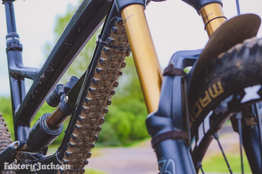 71687e385 Santa Cruz Hightower LT-mountain-proof-your-mountain-bike-19