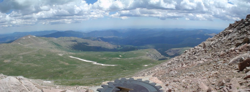 Riding up to 14K feet-mt-evans-look-out.jpg