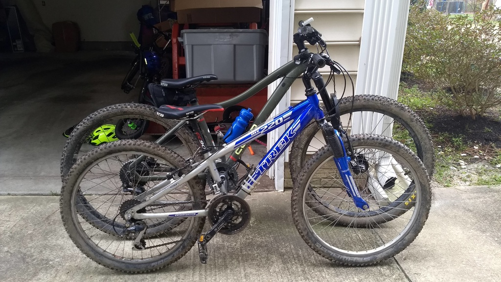 anyone know places that may stock a 2020 Commencal Meta HT 24?-mt220-drt12.jpg