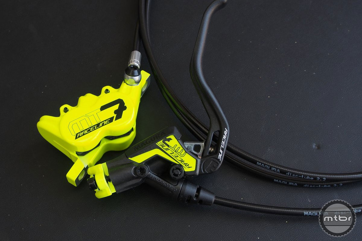 The MT7 is now available in the classic Magura Raceline color from its rim brake days.