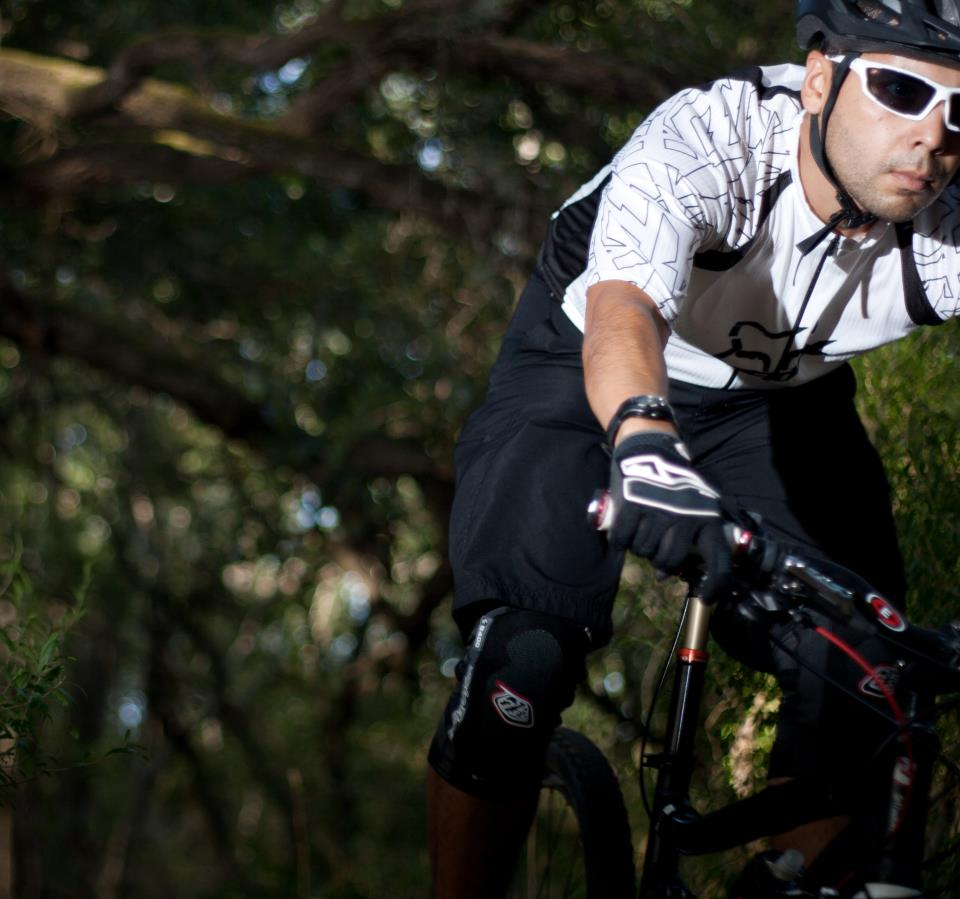 Strobist Gallery- let's see your external flash MTB shots-mtb.jpg