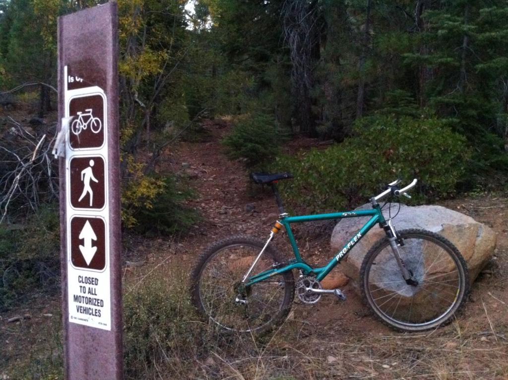 Bike + trail marker pics-mtb-st-sign.jpg