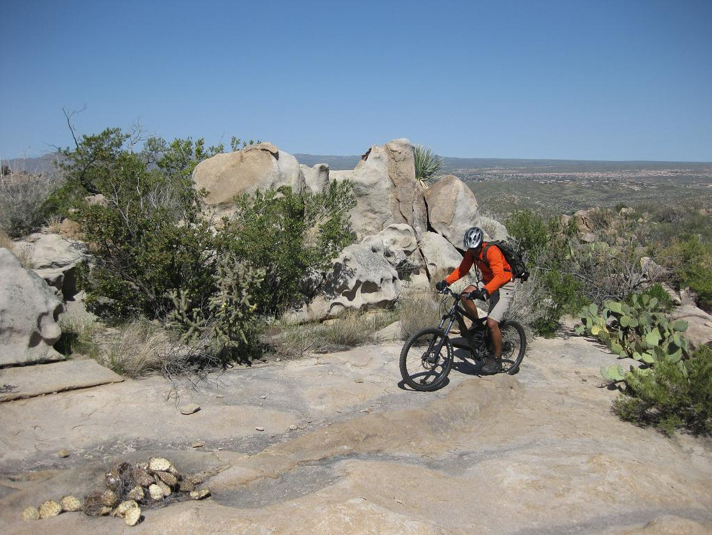 Nate Goes Site Seeing, Doggy Style 1.-mtbr-rock.jpg