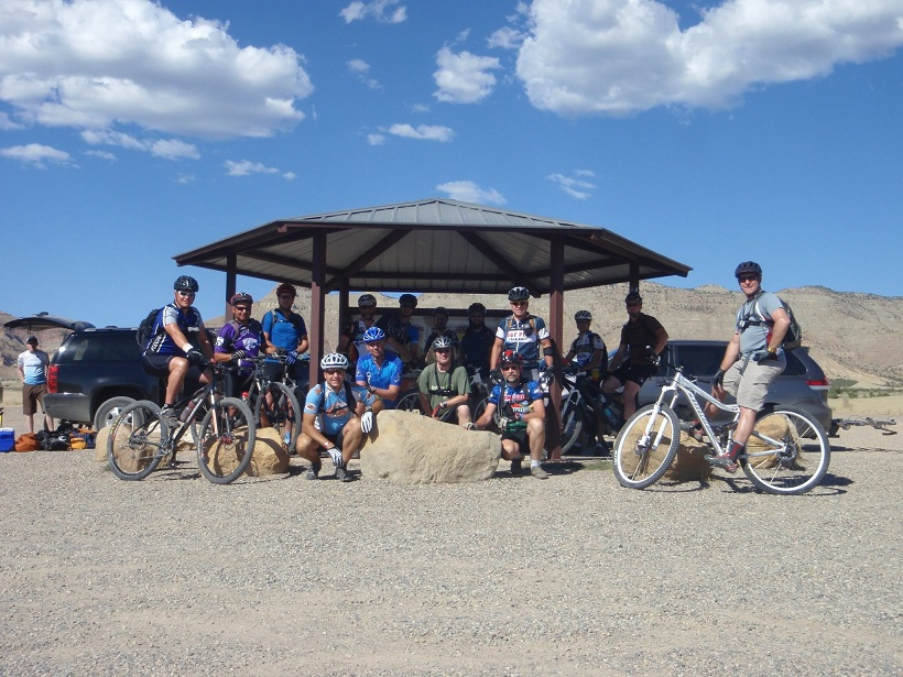 Your 3 best biking photos of 2011-mtbr_earthridersfruitagrouppicture2011.jpg