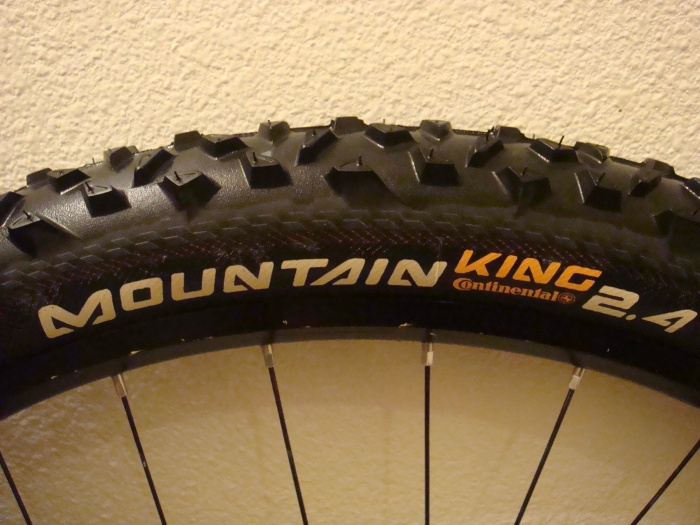 29 x 2.4 Continental Mountain King Tire Black