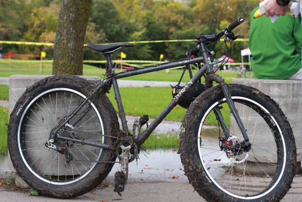 Pics of your 1x9 fatties-muddy-pugsley.jpg