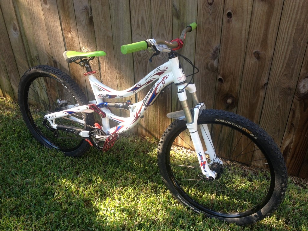 Show us a picture of your 26er MTB that you still use on the trails-mysx09.jpg