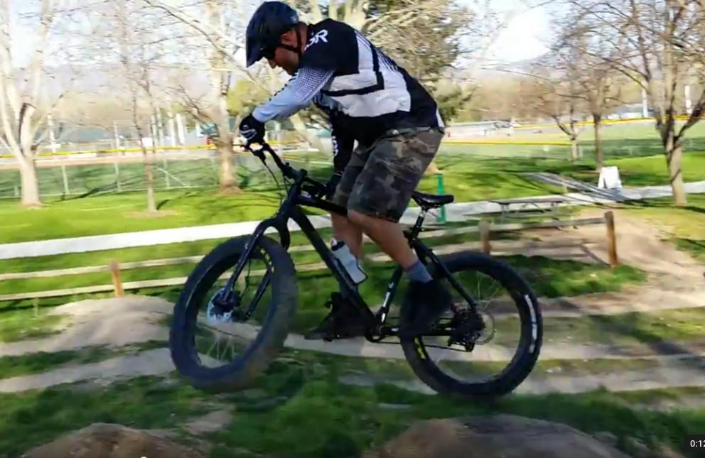 Daily fatbike pic thread-nealio-fat-jump.jpg