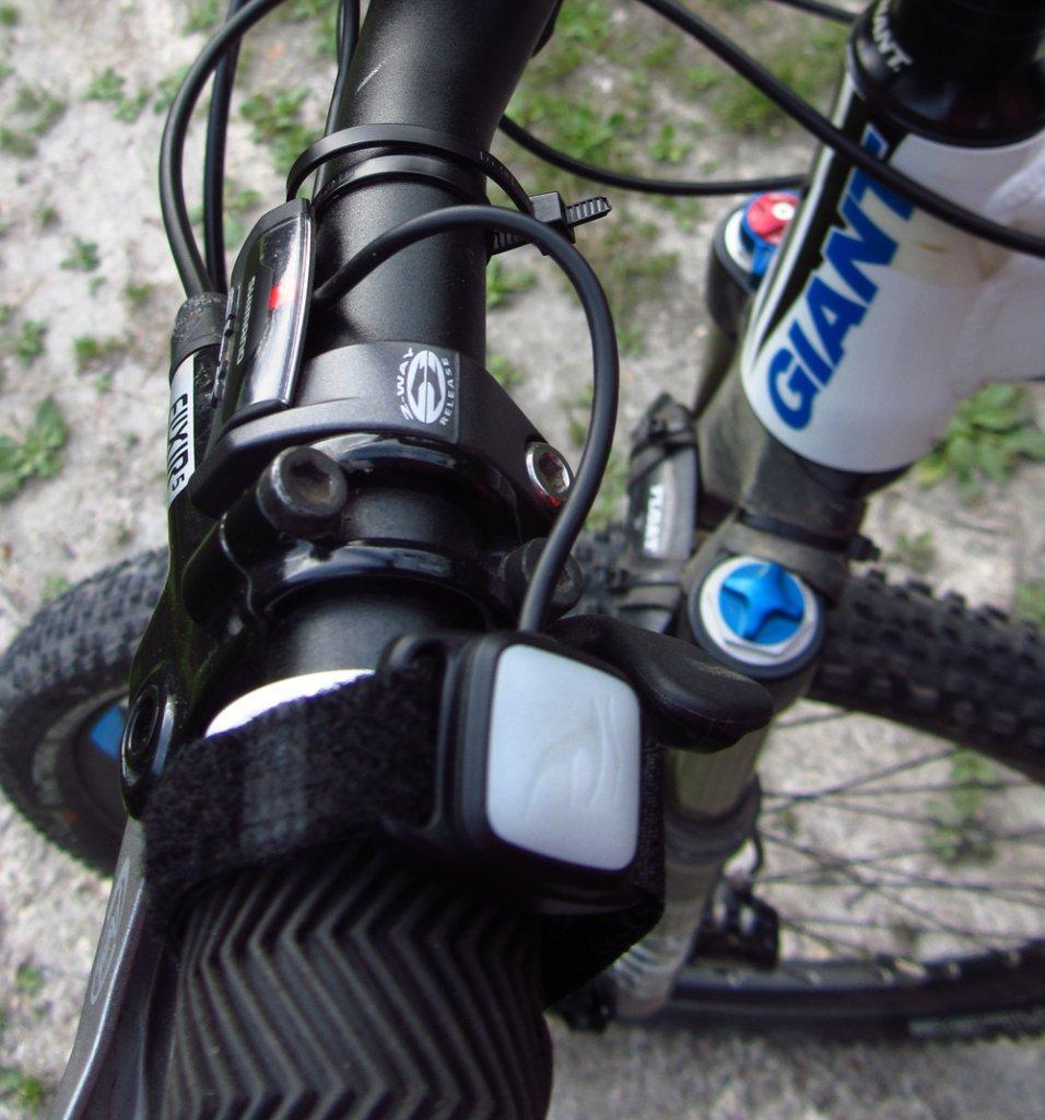Fenix BC30 Bike Light,  Dual distance beam -Twin XM-L2 T6 review-netimg_0003.jpg