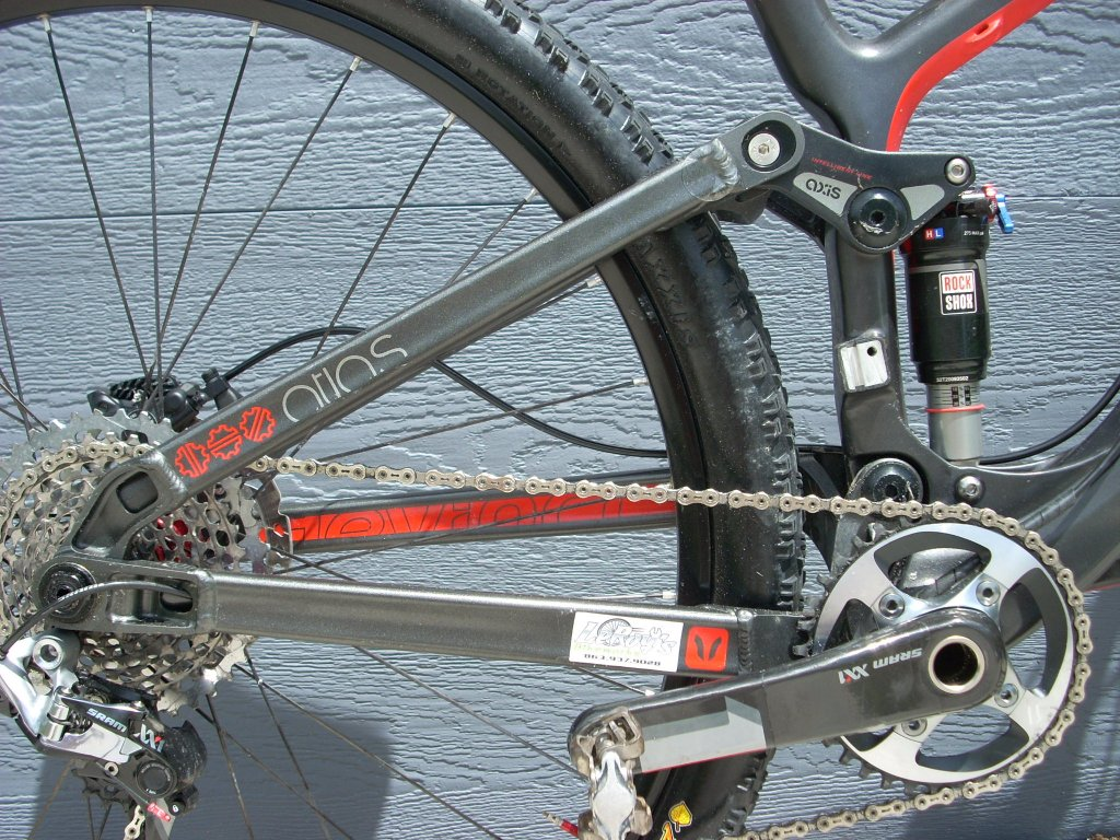 Devinci Atlas Carbon-new-bike-frame-004.jpg