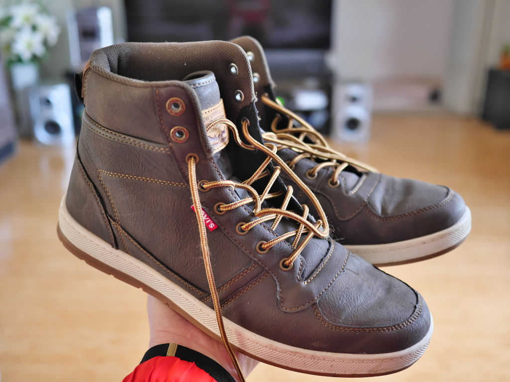 Post a PIC of your latest purchase [bike related only]-new-feet-sml.jpg