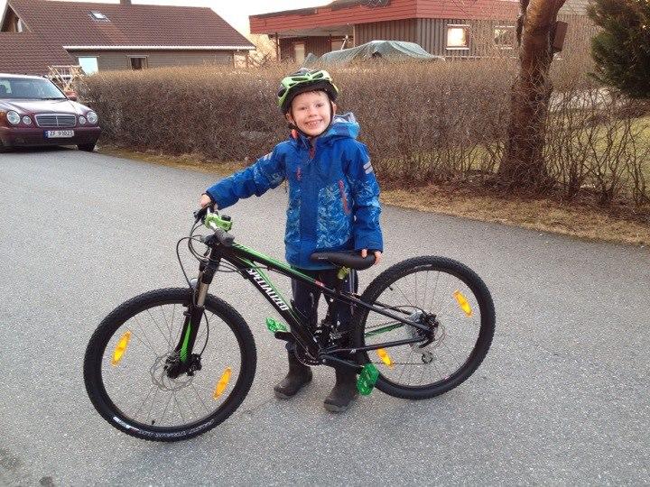 Kid's Mountain or Road Bike Ride Picture Thread-nicholas-bike.jpg