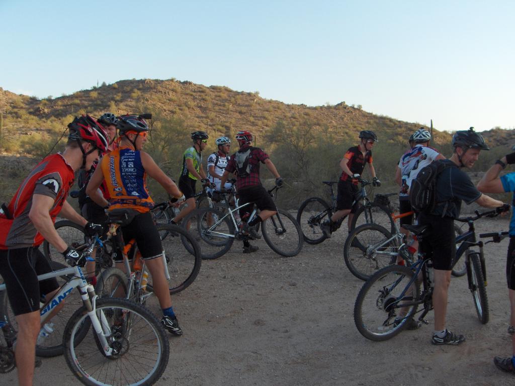 The FINS Thursday Night Rides Are Still On-night-ride-july-2011-016.jpg