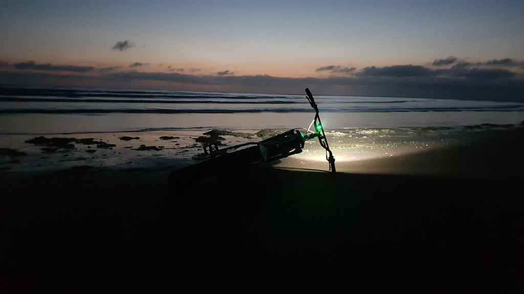 Beach/Sand riding picture thread.-night-rider.jpg