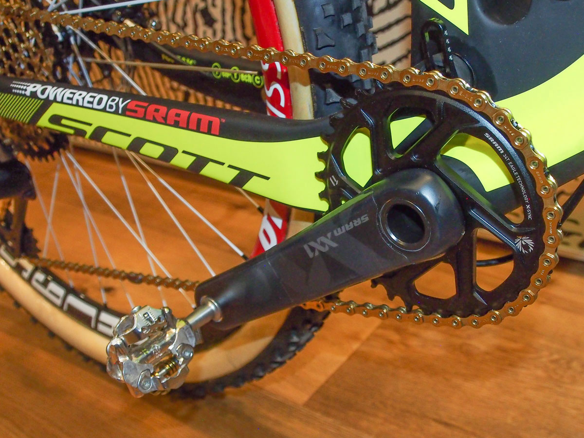 The press launch show bike was spec'd with a 34t SRAM Eagle chainring, but expect Schurter to be running a 38t in Rio.