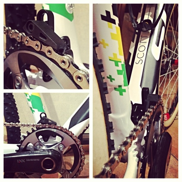 Lightweight chainguides at Eurobike-ninochainguide.jpg