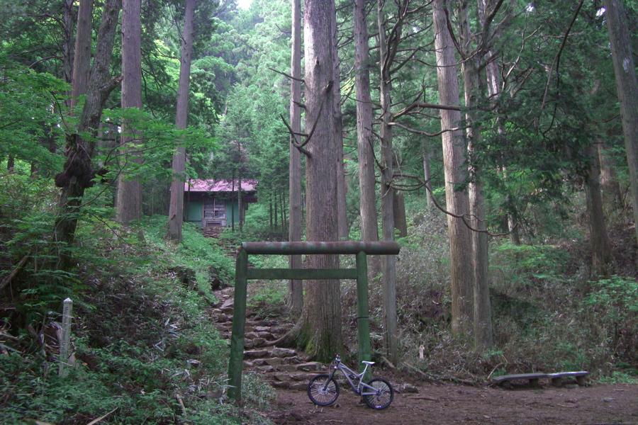 Nikko Mountain Biking-nokogiri-otake3.jpg