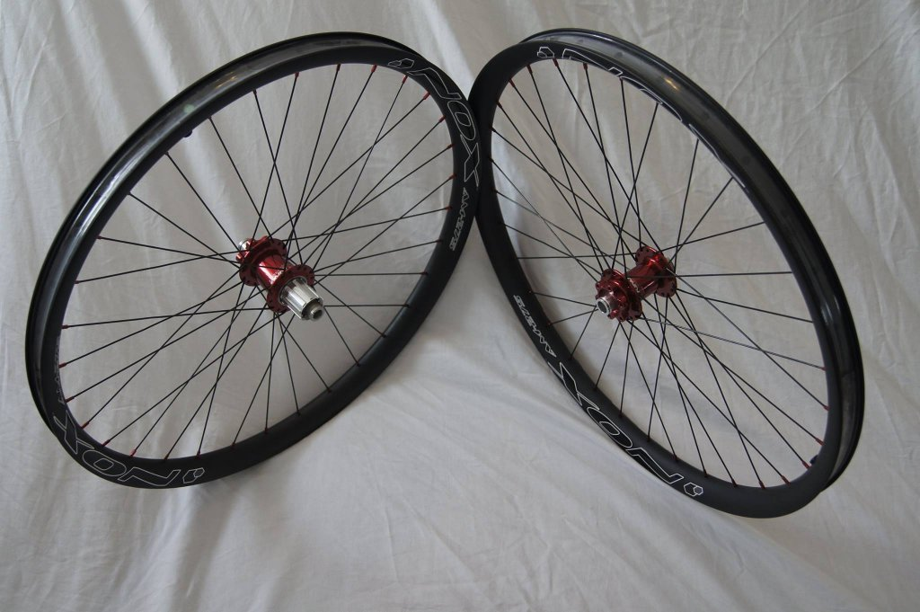 Lets see some blinged out wheelsets..I9,CK,Hope..anything goes!-nox-composites-hubsessed-cycle-works-chris-king.jpg