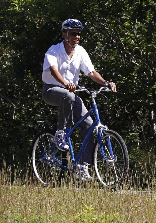 Former president Bush has 41 miles of MTB trails-obama-bike.jpg