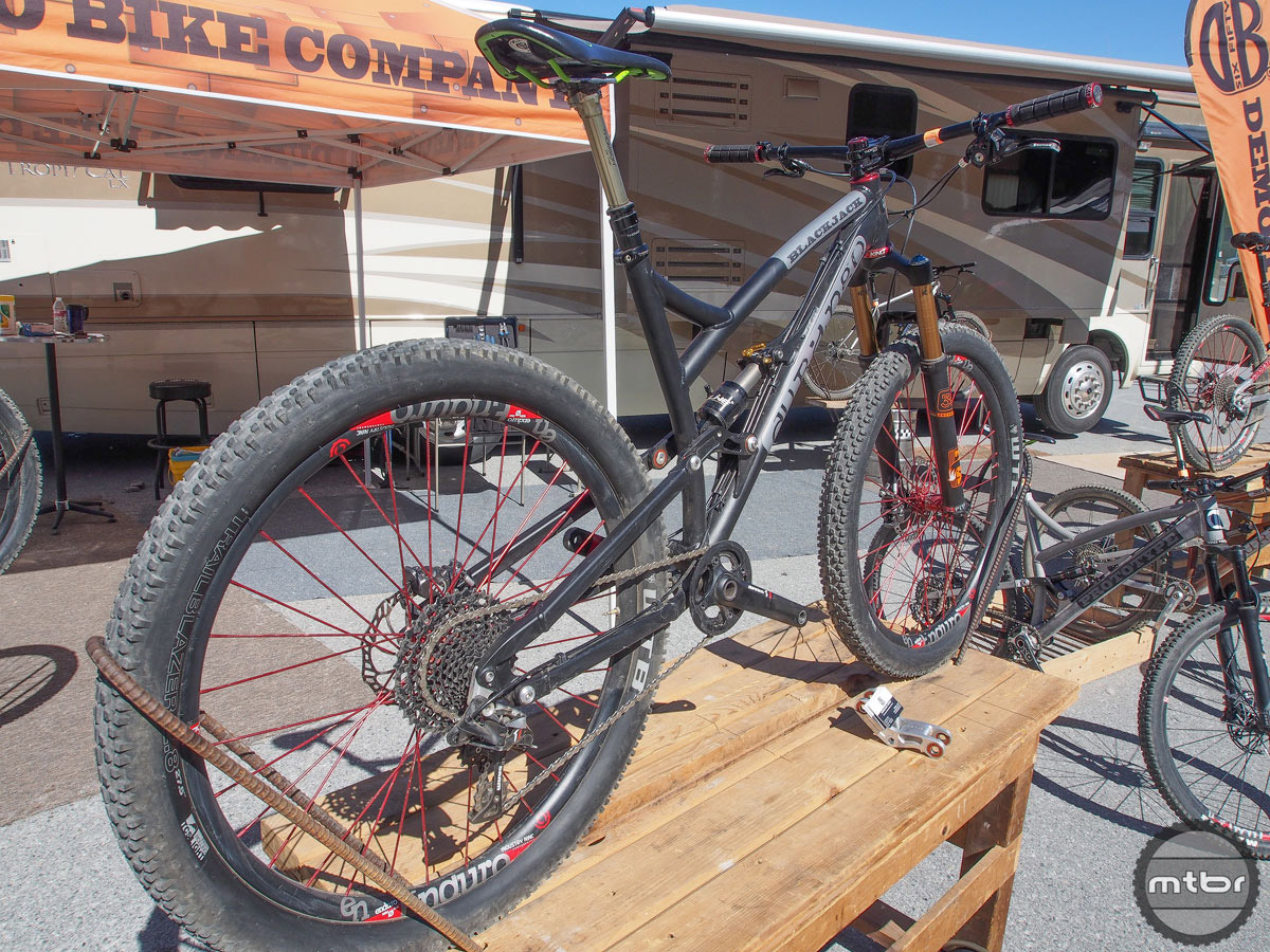 """We didn't actually get to ride this bike, but heard lots of good things from other show goers. The stock build on the Durango Bike Company website is a full squish 29er with 2.3 tires, but the frame will also accept 2.8s on a 27.5"""" rims, which is what they were showing in Whistler."""