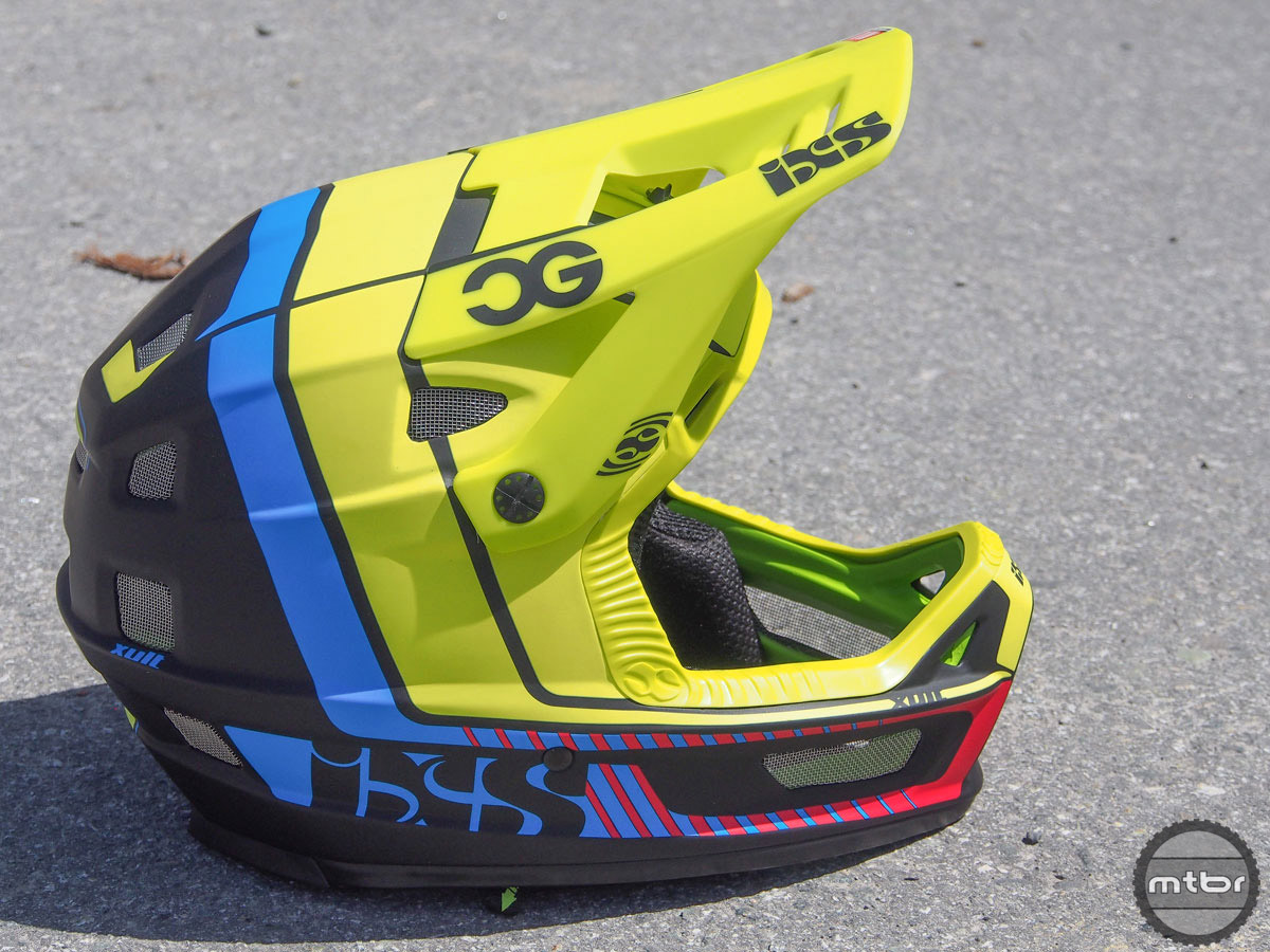 IXS was showing off a new lightweight full face helmet. Key stats included improved ventilation at the chin bar, top and back of helmet. Claimed weight for a size M/L is 1100 grams. MSRP: $350 with availability set for early August.