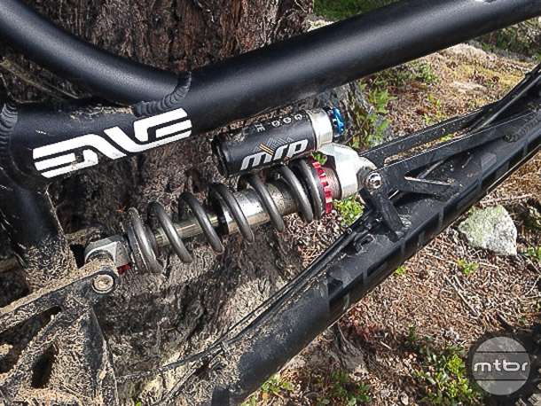 The Raze2CR shock also offers a wide range of adjustability and provides the feel only a coil shock can produce.