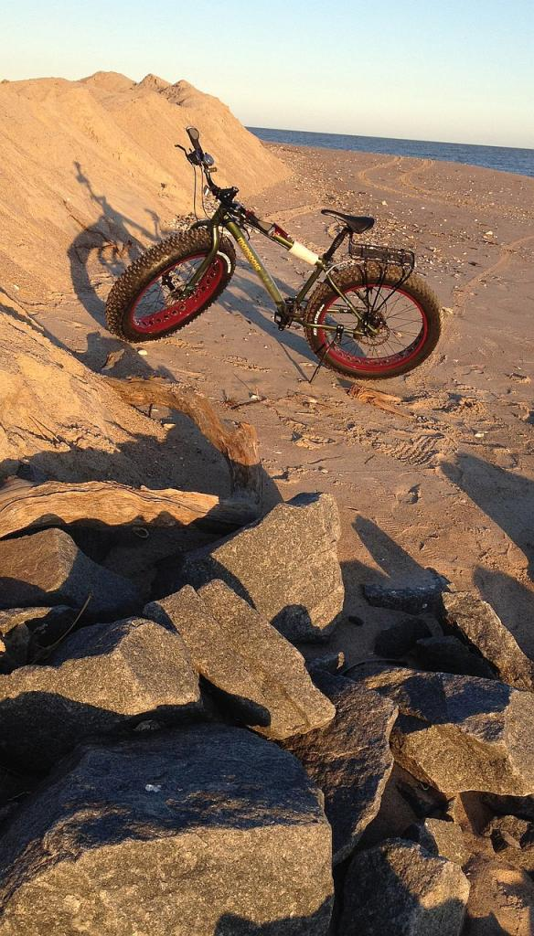 Argus:  A fat bike for the masses? Review & Assembly-oct20beach.jpg