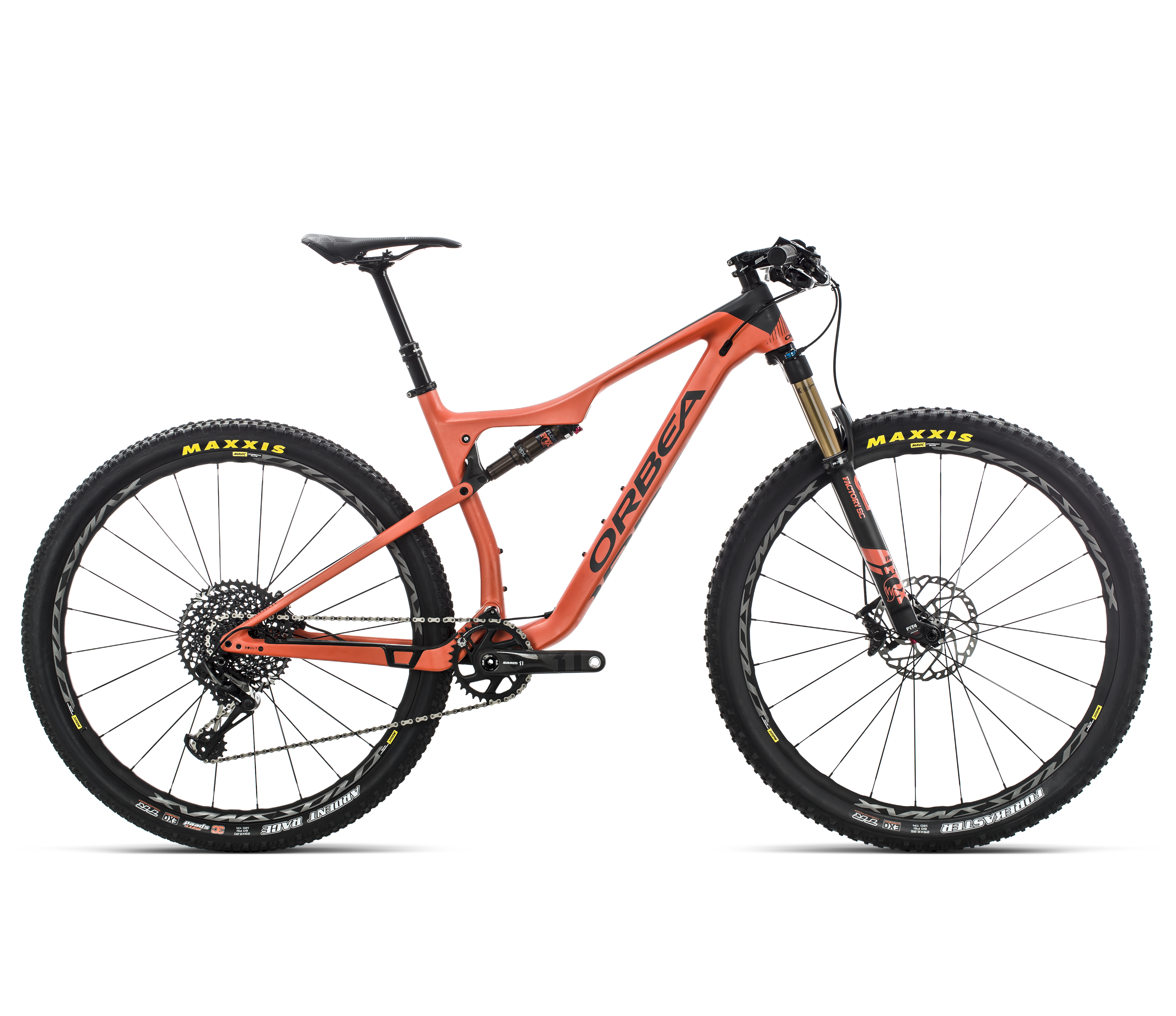 The Oiz M10 TR retails for $5400, arriving with a 120mm shock and dialed for the trails both up and down.