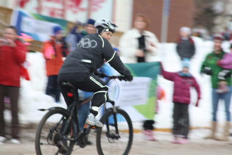 "Riding in Edmonton - the ""winter"" 2009 thread-olympictorch117.jpg"