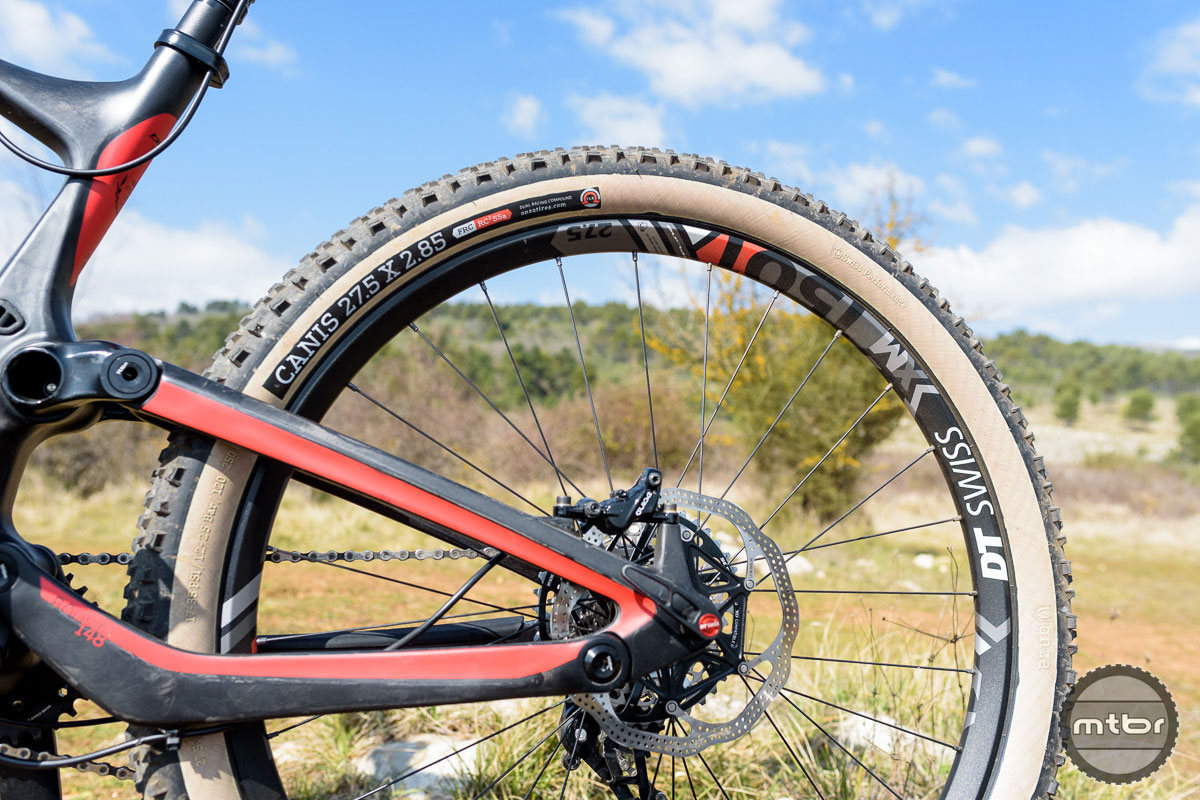 how to choose bike tire width