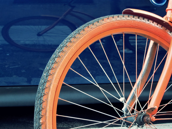 Spray-painted bike rims?-orange_spray_painted_bike_tire.jpg