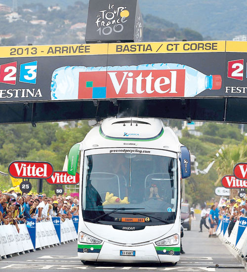 A proud day for aussies at the tour de france, we take the yellow jersey , yee haa-orica-greenedge.jpg