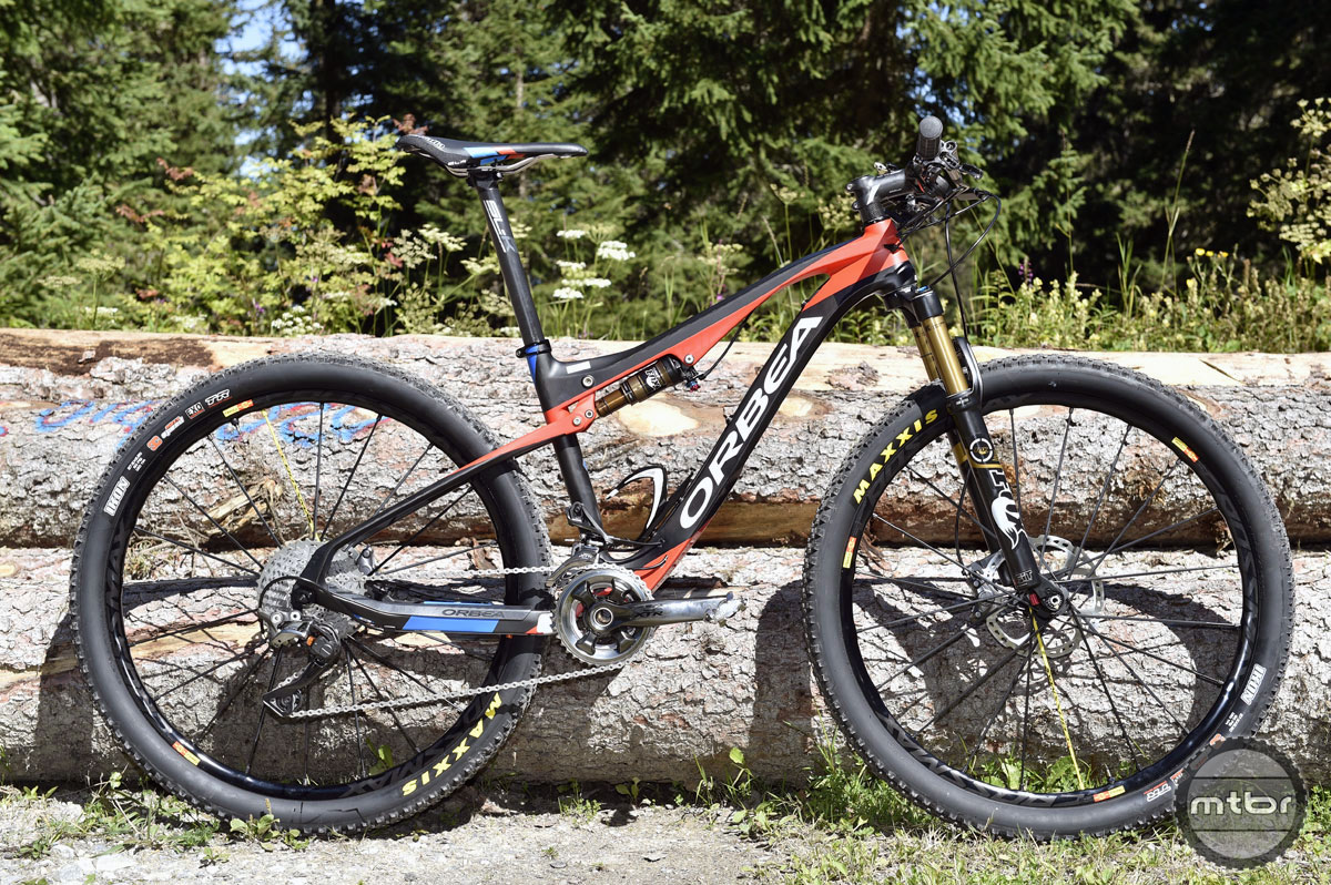 First Look Orbea Oiz Full Suspension Xc Race Bike Mtbr Com