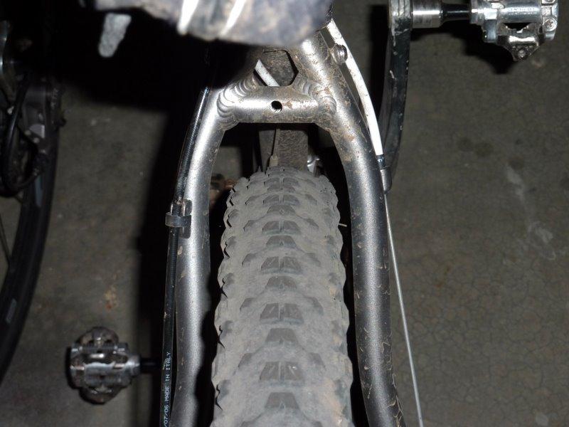 Motobecane Outcast Tire Clearance-p1000011.jpg