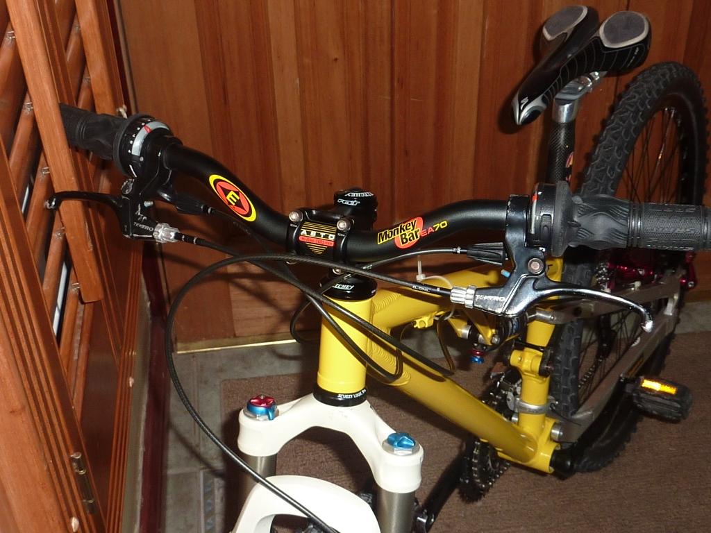 Racer-X Set-Up database-p1000425.jpg