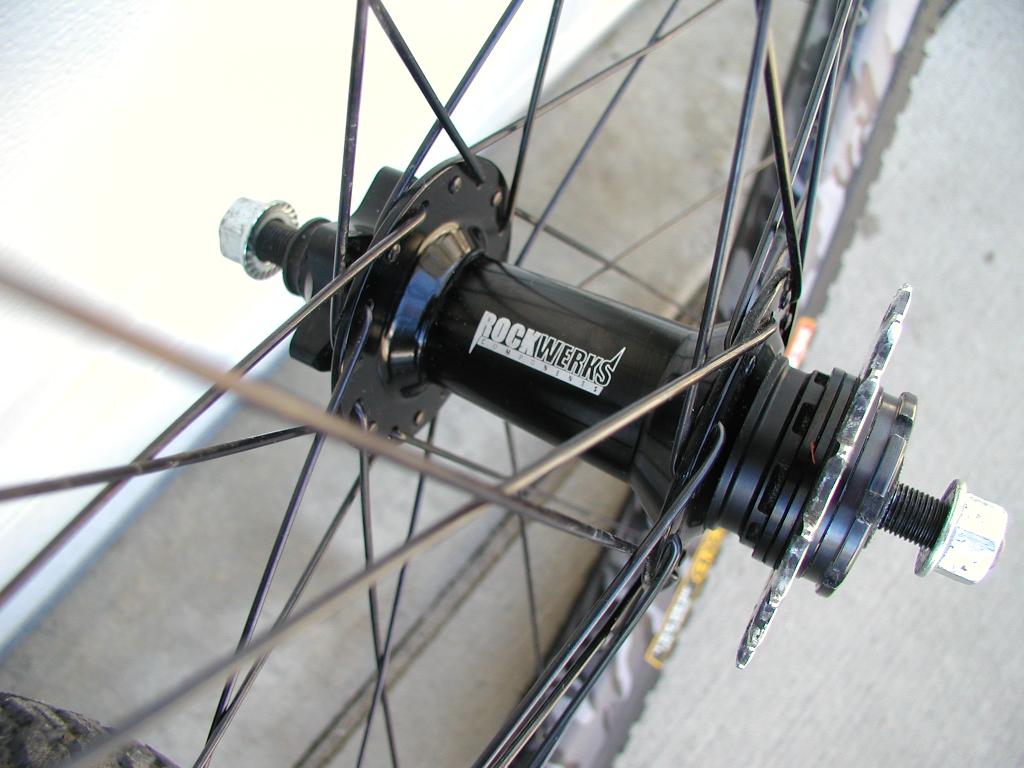 Spam:Sun Doubletrack Urban Camo/Rockwerks wheelset 5-p1010003.jpg