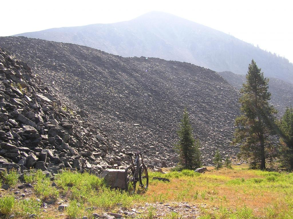 Circumnavigating Mill Mountain-p1010017.jpg