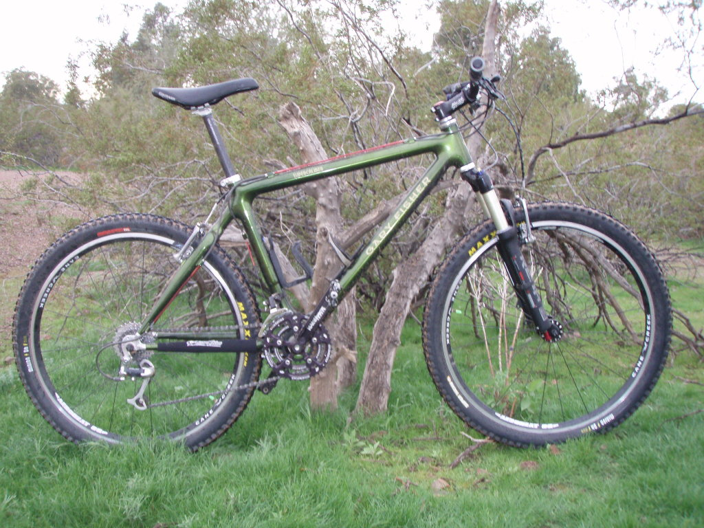 Are you still running a 26 frame with rim brakes ?-p1010019_zps450f6e3a.jpg