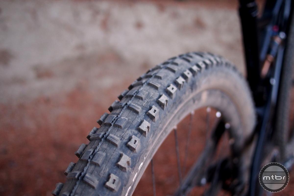 YT Jeffsy CF Pro Tires