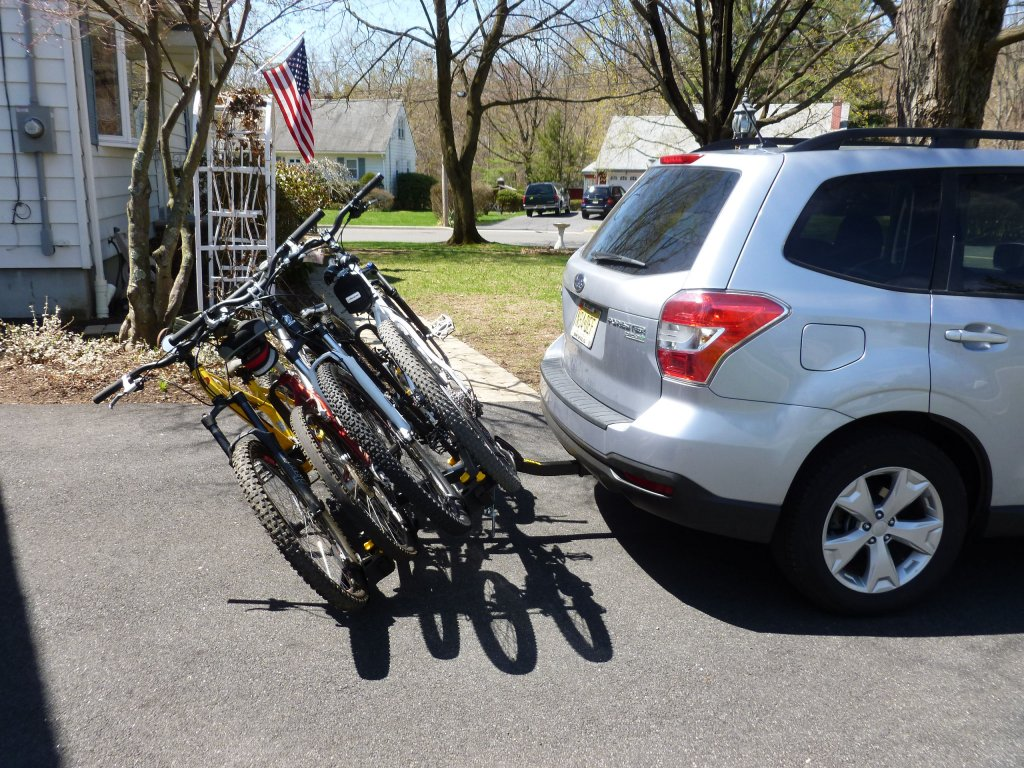 Need hitch carrier (2 and 4 bike considered) - '07 Odyssey-p1010737.jpg