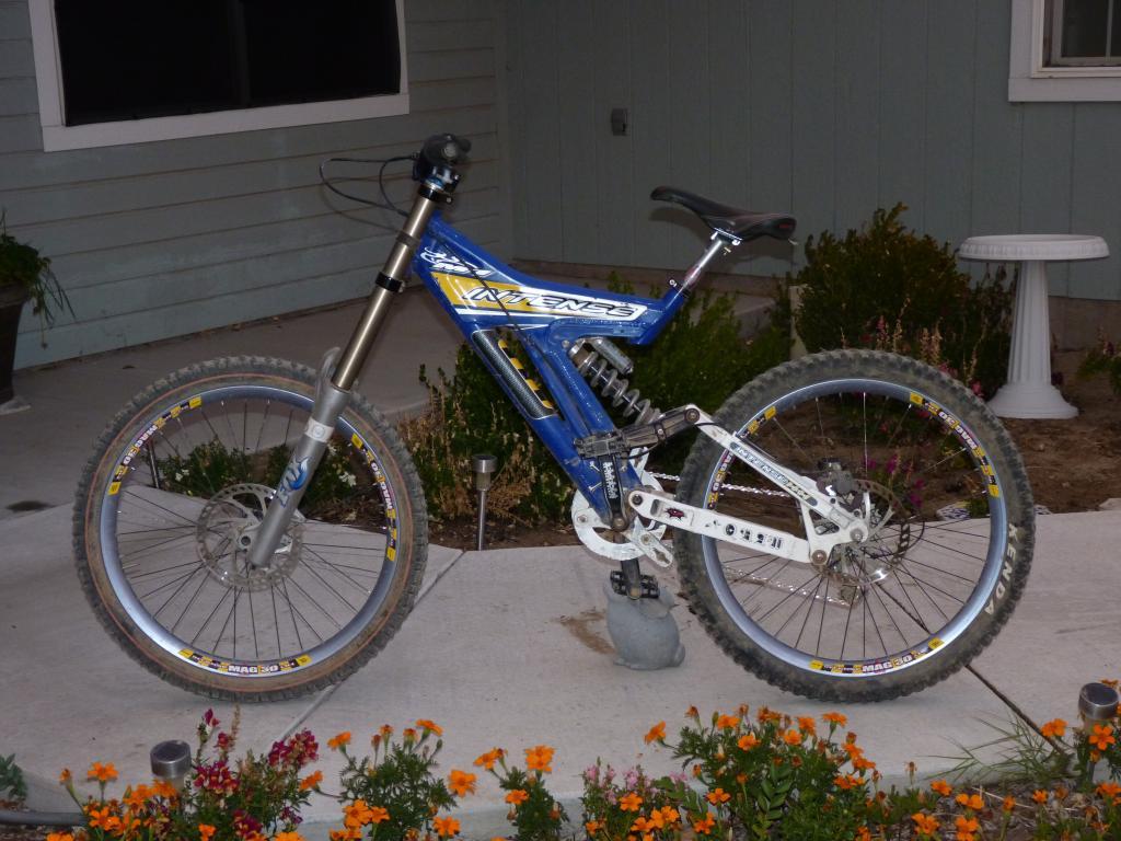 Old School DH bikes-p1010814.jpg