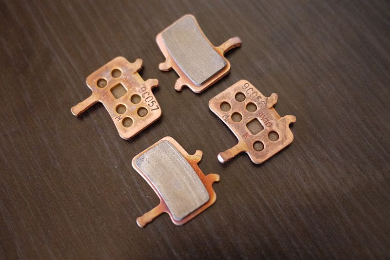 Can you identify these pads for me?-p1030089.jpg