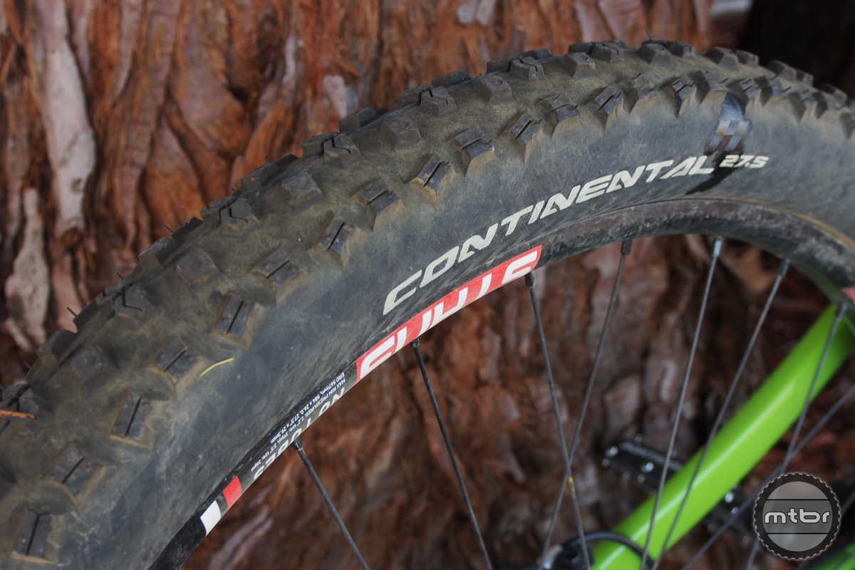 Staran Cycles FSM-140 Tire