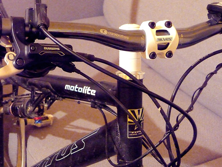Titus Bike Pr0n-p1050358-bars.jpg