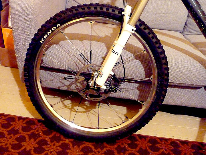 Titus Bike Pr0n-p1050362-front-wheel.jpg