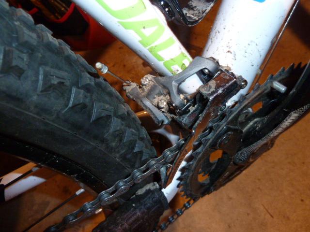 Flash 29 Tire clearance-p1050504.jpg