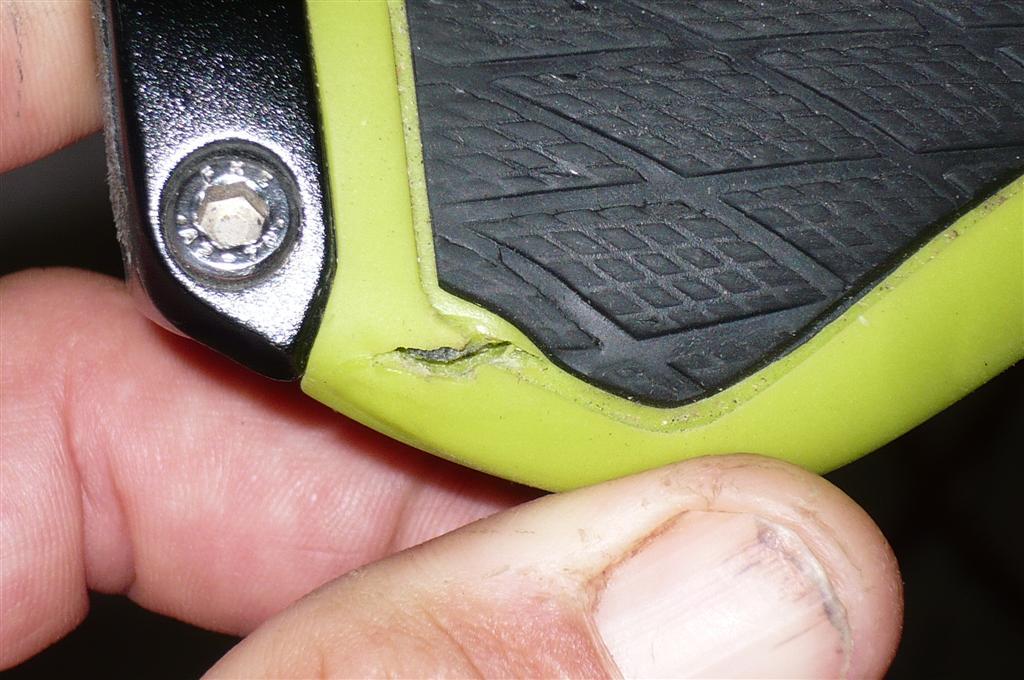 Ergon GX1 grips cracking-p1060555-large-.jpg