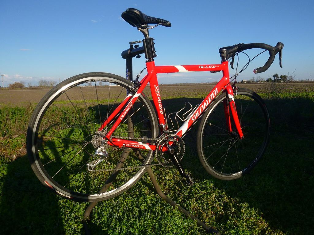 Practically giving this road bike away-p1070791-copy.jpg