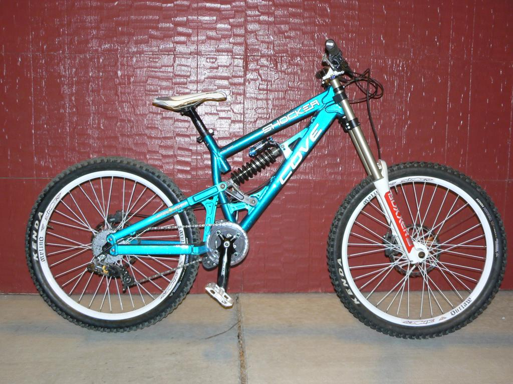 Old School DH bikes-p1100185.jpg