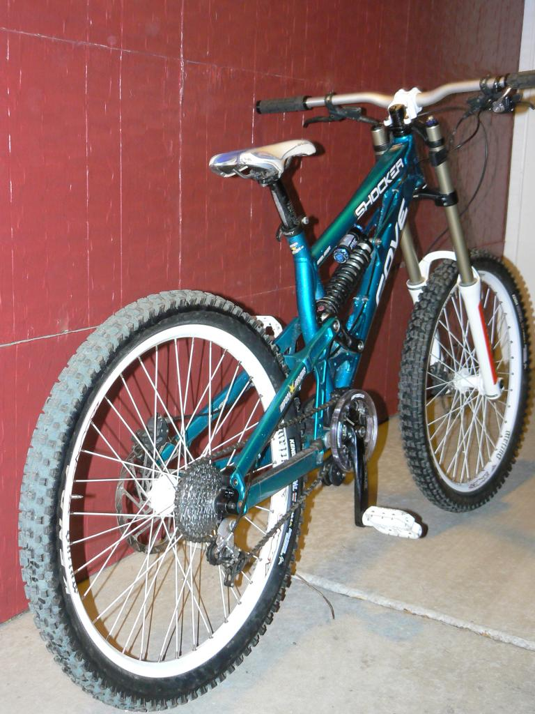 Old School DH bikes-p1100186.jpg